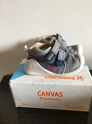 Zapatos Biomecanics, talla 20
