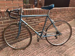 Bici de carretera antigua para niño