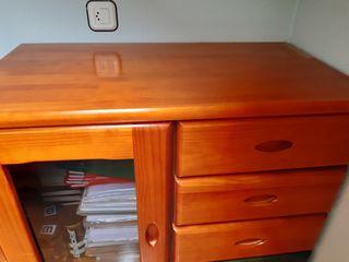 Mueble de madera maciza de cerezo