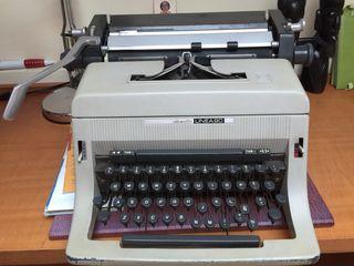 Máquina de escribir olivetti 90