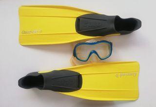 Aletas y gafas buceo