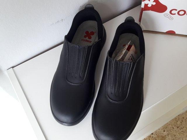 Zapatos camarero antideslizantes