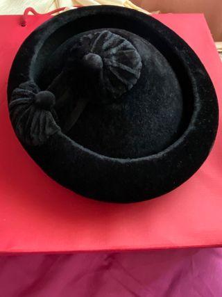Catite terciopelo negro