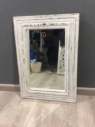 Espejo blanco decapado