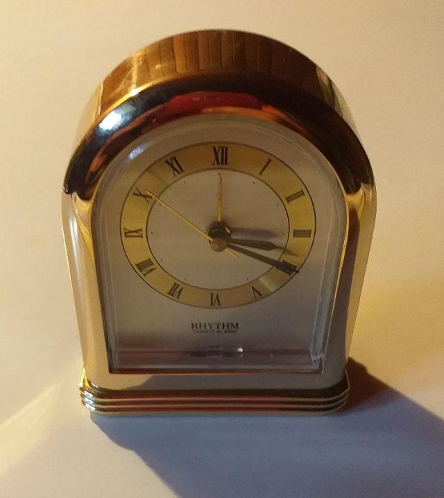 reloj RHYTHM quartz alarm