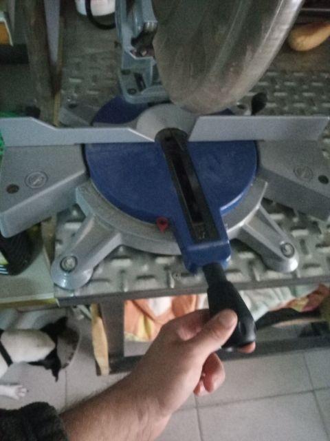sierra circular ingletadora para madera