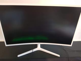 Samsung 32-Inch CJG50 144Hz Curved Gaming Monitor