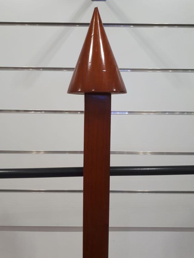 Perchero-burra de madera