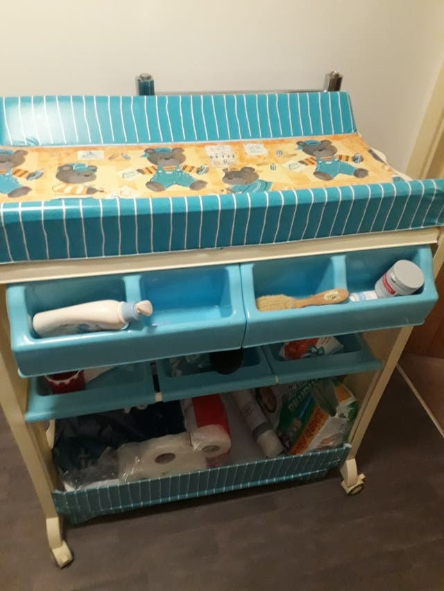 HomCom baby changing station, in blue