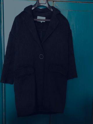 Abrigo negro Bimba y Lola
