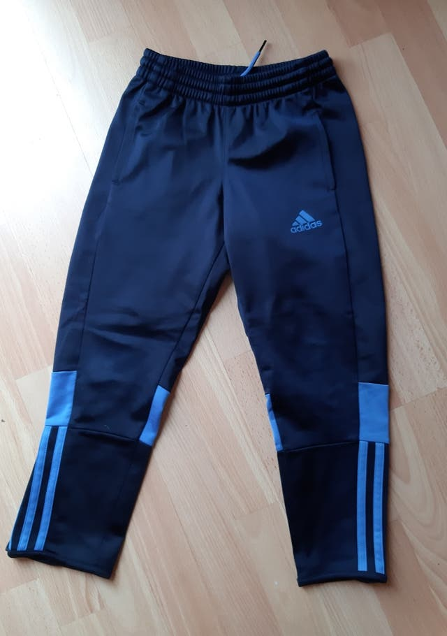 pantalón chandal Adidas 5-6 años+ chaquetón Adidas