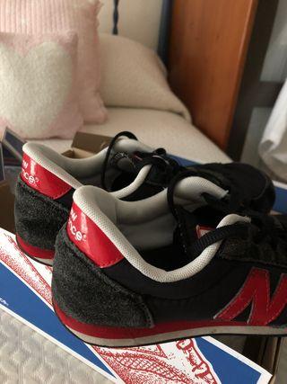 new balance negras y rojas