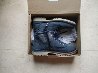 zapatos joven