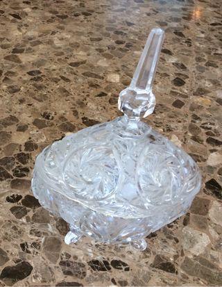Bombonera cristal tallado de Bohemia URGE VENDER