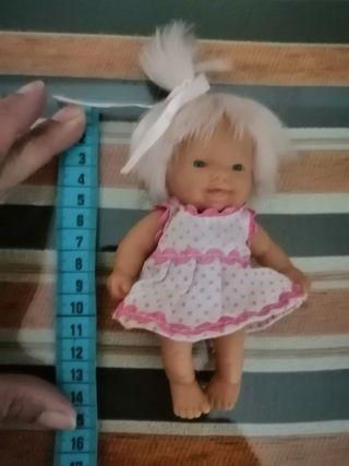 Muñeca tipo Barriguitas