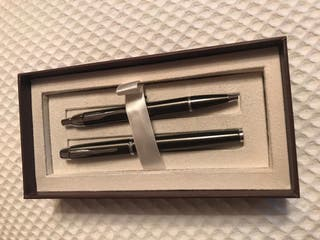 Pluma estilográfica y bolígrafo Parker