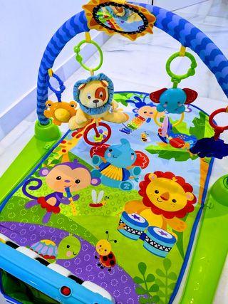 Gimnasio piano para bebés