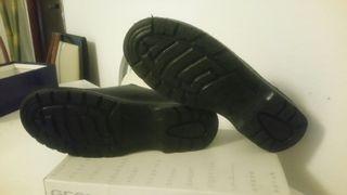 zapato de trabajo.suela anti deslizante