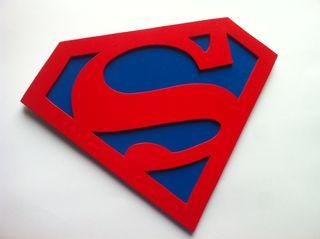 Super man logo en madera personalizado