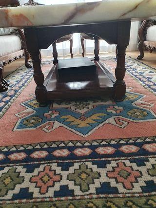mesa de piedra ónix tallada