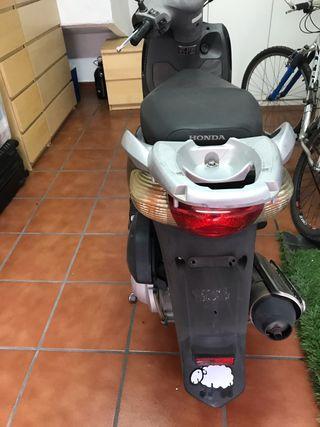 Honda PS 125 para desguace