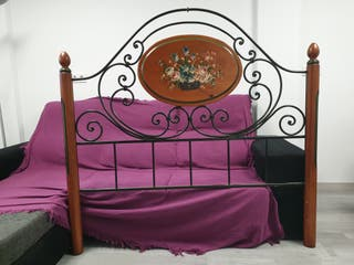 Cabezal cama, de forja y madera.