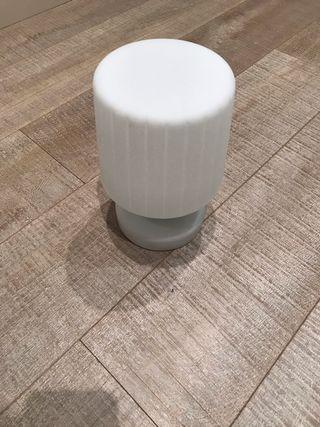 Lámpara LED con bateria y 5 colores