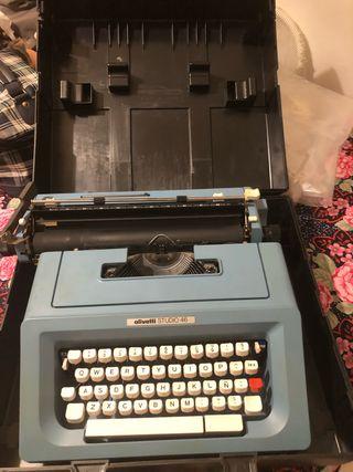 Máquina de escribir estudio 46