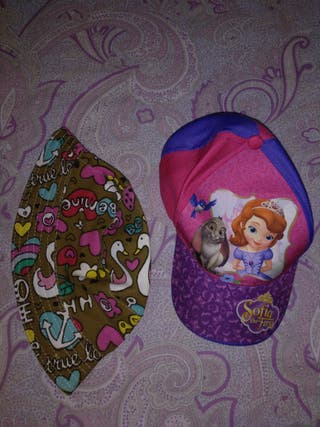 gorra y sombrero