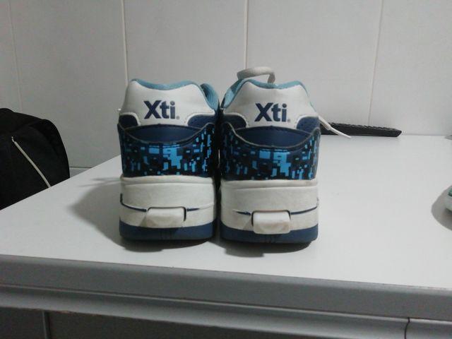 Zapatillas con rueda XTI