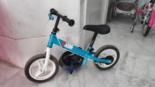 Bicicleta Decathlon sin pedales. Regalo casco.