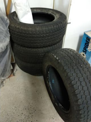 4 pneumàtics perfecte estat