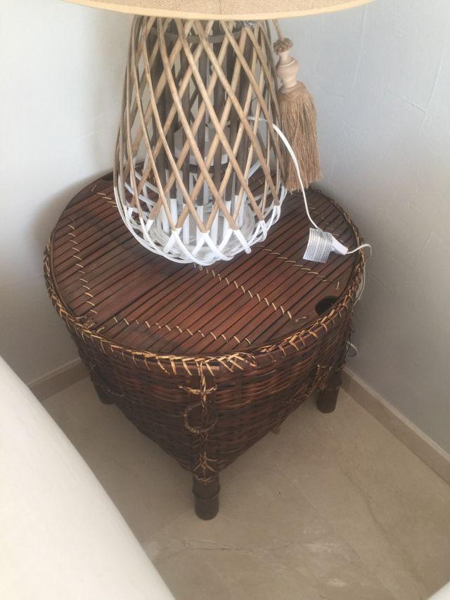 Mesa muebles bar en ratan