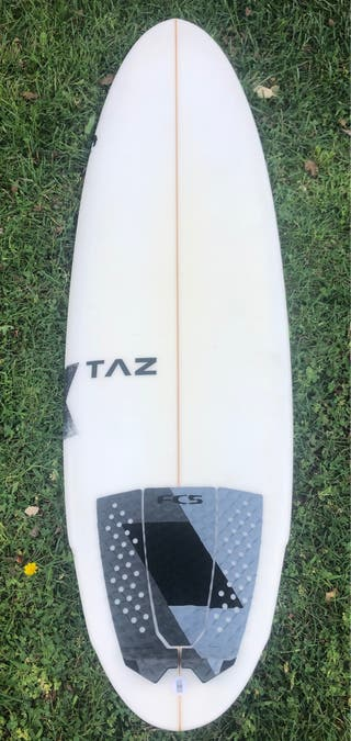 Tabla de surf Kream Semi Nueva