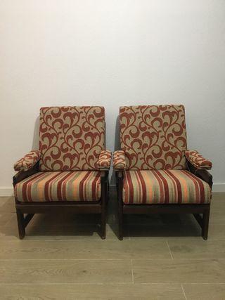 Sofá de tres plazas + Dos sillones RECIÉN TAPIZADO