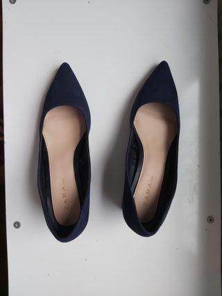 zapatos azul marino puestos una vez ZARA