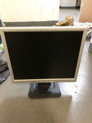 Monitor acer alt1717