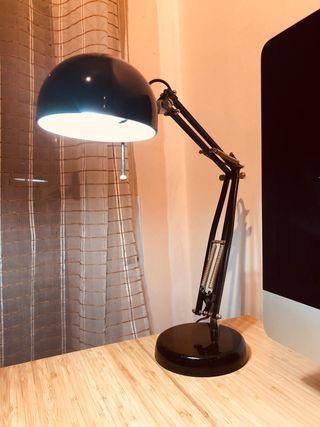 Lámpara escritorio/Flexo despacho.