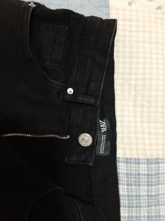 Falda negra Zara