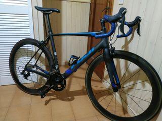 Bici carretera Fuji (175-180 cm) + ruedas Fulcrum