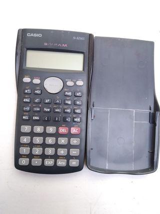 Calculadora Casio fx- 82MS