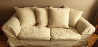 sofá beige 3 plazas de BO Concept. muy elegante