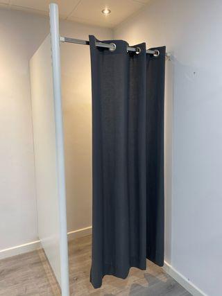 Probador con cortina para tienda