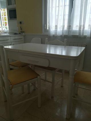 Mesa de cocina extensible blanca