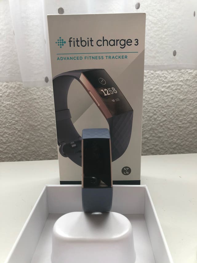 Vendo FITBIT CHARGE 3