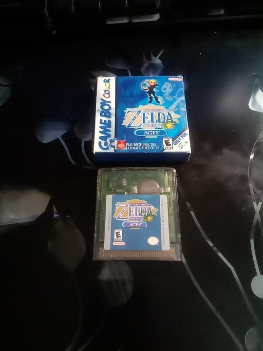 The legend of Zelda Oracle of ages game boy color