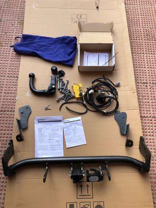 Enganche de remolque y cableado original ASX