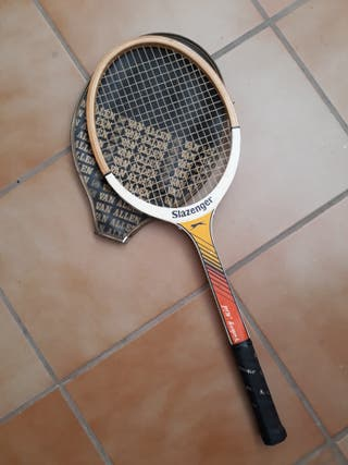 Raqueta tenis de madera.