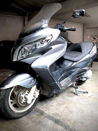 Moto suzuki burgman de 400cc