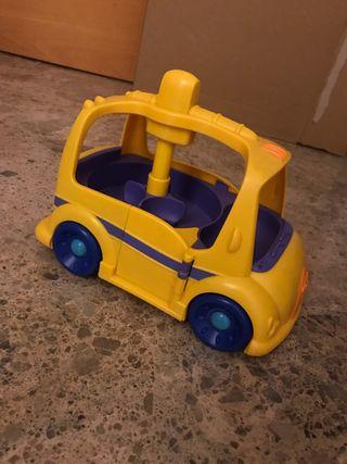 Autobús para muñecos weebles.
